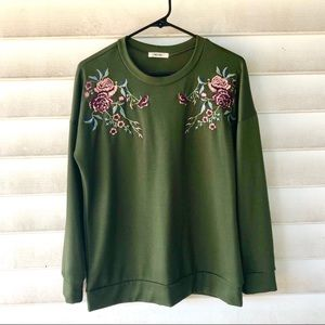 Vici embroidered top